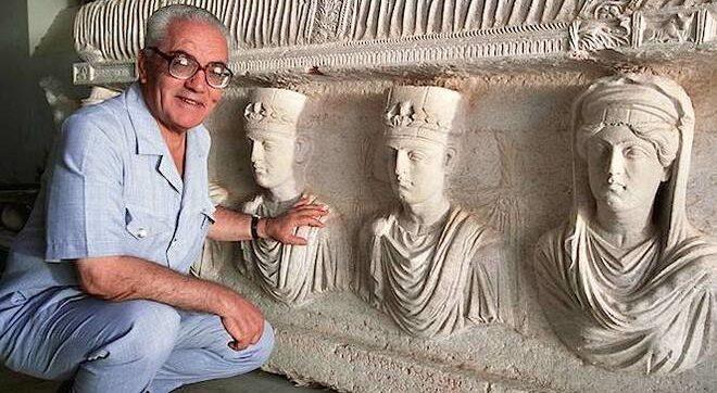 Siria, ritrovate le spoglie dell'archeologo 80enne Khaled al Asaad: era stato decapitato dall'Isis nel 2015