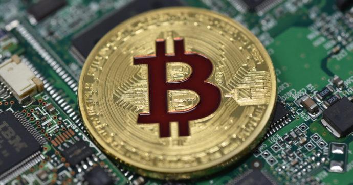 Bitcoin, la corsa continua. La valuta digitale, spinta dagli annunci di Elon Musk, intravede quota 50mila dollari