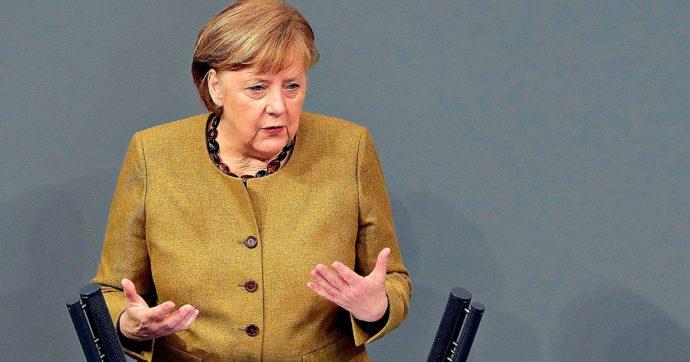 """Merkel: """"C'erano i segnali, non abbiamo agito abbastanza presto. Ora le varianti del Covid minacciano i successi raggiunti"""""""