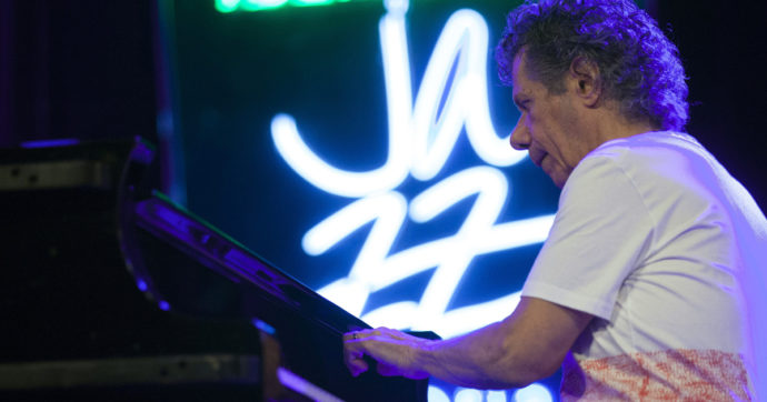 Morto Chick Corea, addio al pianista genio del jazz. Ha vinto 23 Grammy Awards