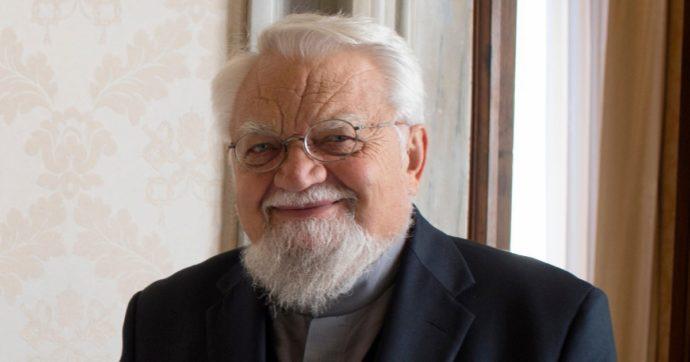 Enzo Bianchi rifiuta di trasferirsi a Cellole come voleva il priore Manicardi: teme cacciata e impossibilità di condurre una vita monastica