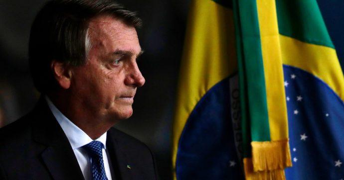 """""""Adotta un parco"""": la 'svolta ambientalista' di Bolsonaro per avvicinare Biden. Greenpeace: """"Greenwashing mentre distrugge l'Amazzonia"""""""