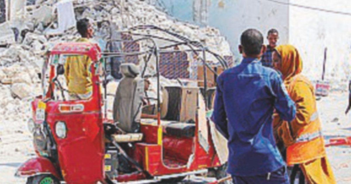 Al Shabaab gioca sul caos: 7 morti