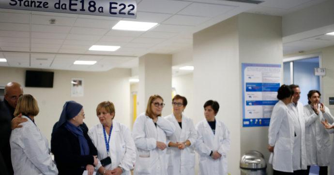 """La Cgil: """"Non meriti questo posto, vattene"""". L'insolito attacco a chi sceglie  la sanità pubblica lasciando l'ospedale Bambino Gesù"""