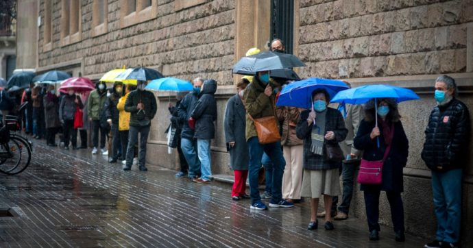 Catalogna, dopo il voto l'indipendenza è ancora irrisolta. Intanto le imprese fuggono