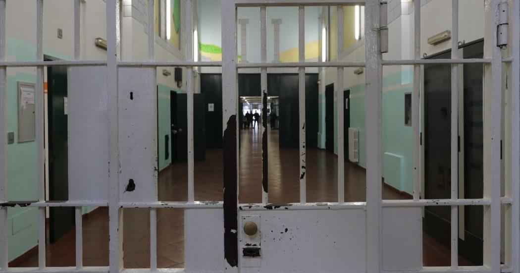 """""""Molteplici torture, lesioni e depistaggio"""": misure cautelari per 52 agenti penitenziari accusati di violenze sui detenuti dopo una protesta in carcere"""