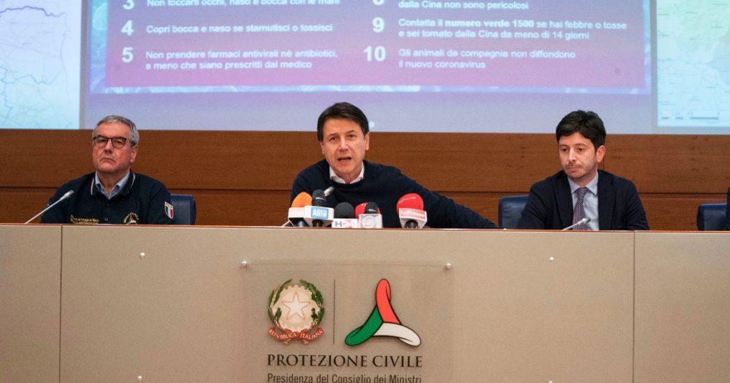 Il 22 febbraio, il capo della Protezione Civile Angelo Borrelli tiene la sua prima conferenza stampa. L'appuntamento delle 18 con il bollettino dei contagi diventerà una delle tappe quotidiane per comprendere l'andamento dell'epidemia (Filippo Attili/Palazzo Chigi)