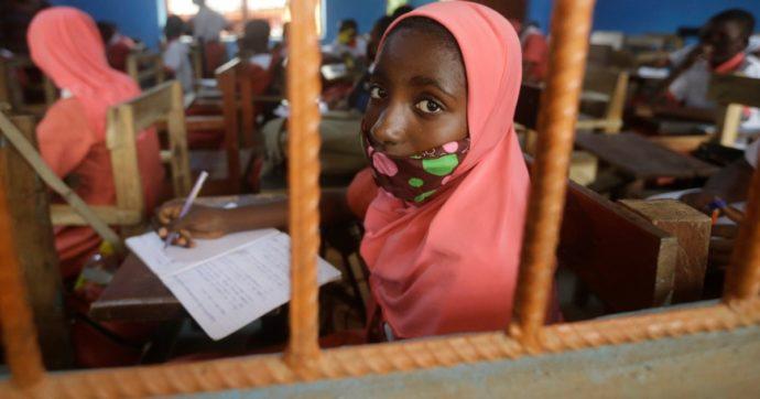 Nigeria, decine di studenti rapiti all'università da uomini armati. Ucciso uno dei ragazzi