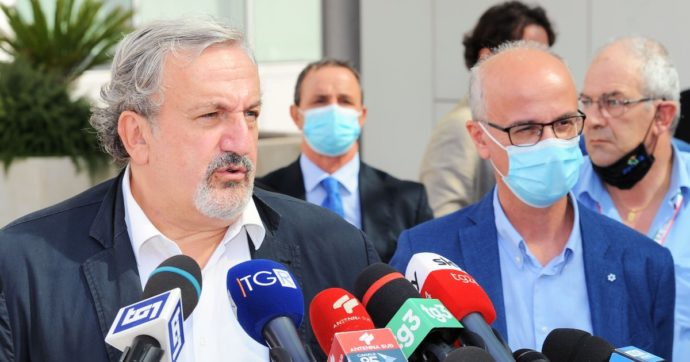 """Coronavirus, i sindacati dei medici pugliesi a Speranza: """"Inviate i Nas negli ospedali della regione, gestione fallimentare della pandemia"""""""
