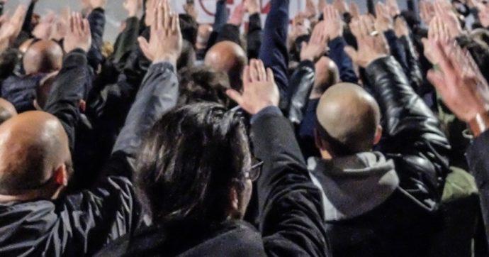 """Madrid, neonazi spagnoli marciano per chi ha combattuto con Hitler: """"Il nemico è sempre l'ebreo"""". Aperta inchiesta"""