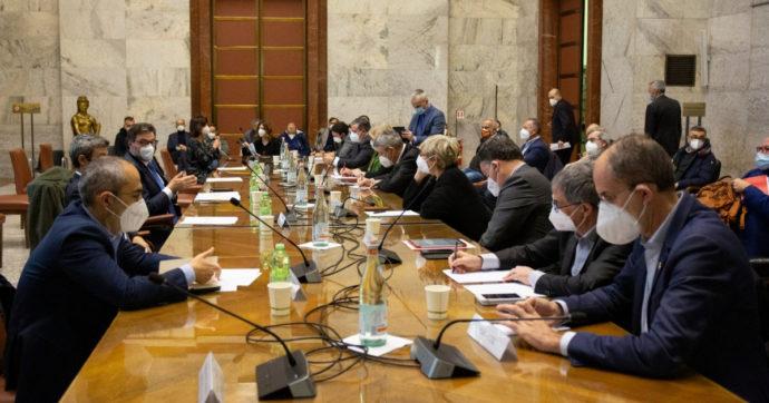 """Ex Ilva, nuovo vertice al Mise. Ministro Giorgetti: """"Impegno a risolvere questione Cig. Sì all'ingresso di Invitalia"""""""