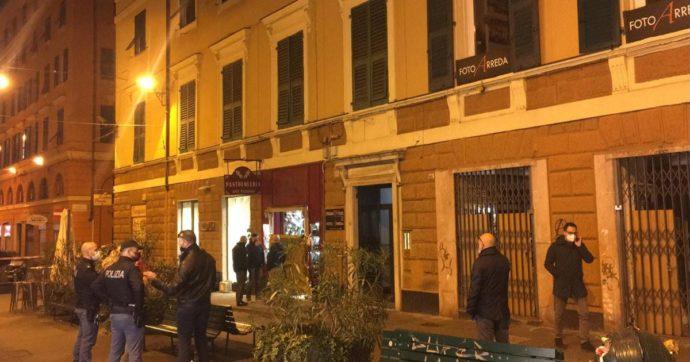 Genova, 69enne uccisa a coltellate dentro al suo negozio: si cerca l'ex compagno che nei giorni scorsi aveva tentato il suicidio