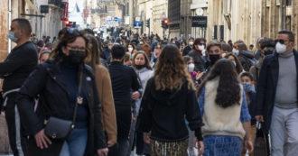 A Napoli e Bologna folla nell'ultimo giorno di zona gialla. Chiuso un tratto di via del Corso nella Capitale, sensi unici in centro a Bergamo