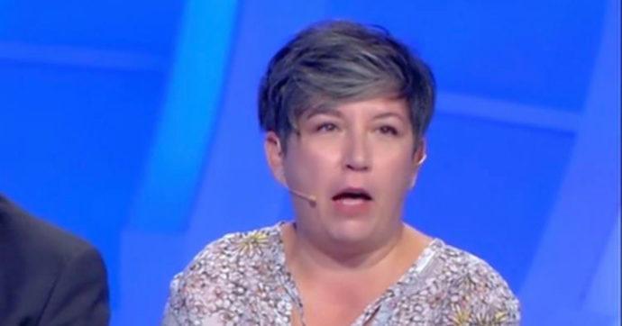 """Maria Siponta di """"C'è Posta Per Te"""" scatena l'odio del pubblico: """"Sei una vipera, una strega di m***a"""""""