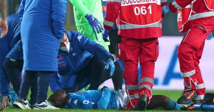 Victor Osimhen, le condizioni dell'attaccante nigeriano dopo il trauma cranico: è tornato a Napoli, non ricorda l'incidente di Bergamo