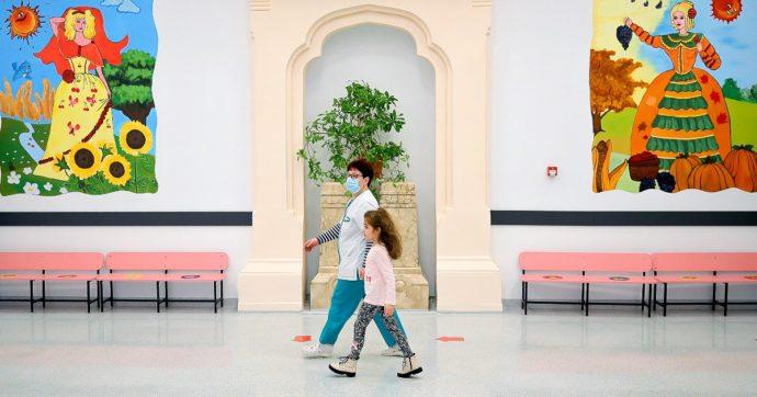 La Germania rimane in lockdown ma in 10 Länder riaprono le scuole dopo 2 mesi: classi divise in gruppi e mascherine obbligatorie