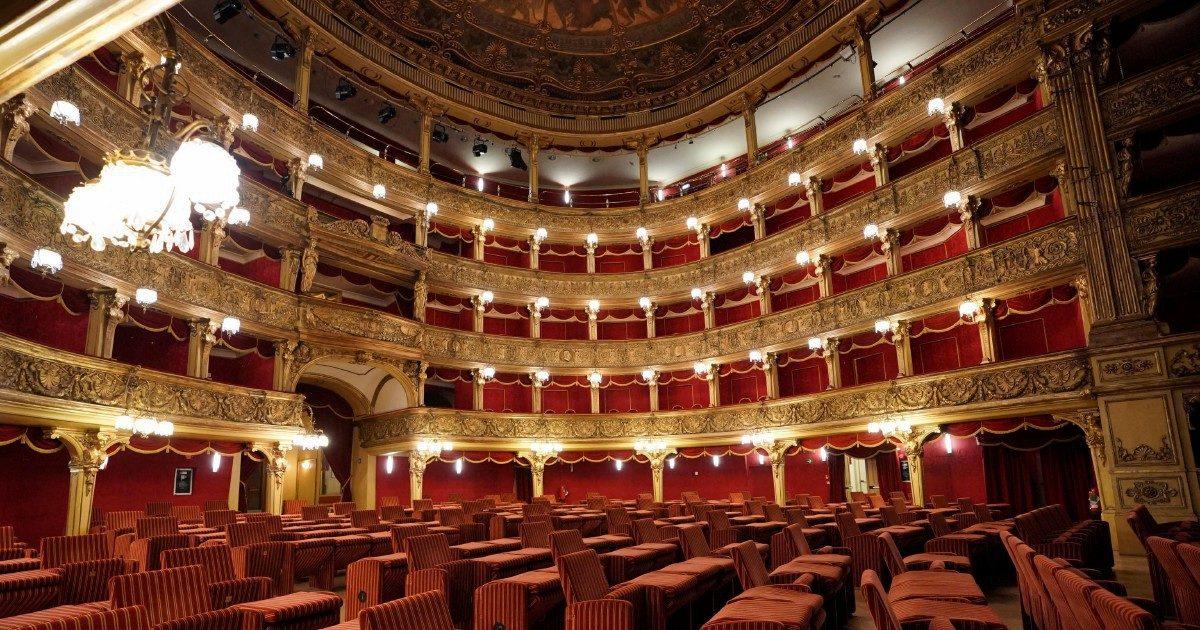 """""""Luce sul teatro"""": 500 sale si illuminano per una sera in cerca della ripartenza"""
