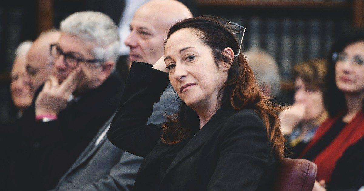 """Paola Taverna: """"Dobbiamo rifondare il M5S. Conte può fare il capo politico"""""""