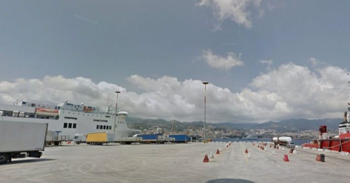 Cima della nave si spezza e colpisce un marinaio: morto durante l'attracco a Messina