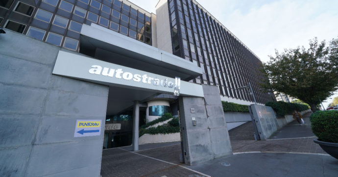 """Autostrade, Atlantia: """"Da Cdp offerta inferiore alle attese"""". Ma la holding avvia una trattativa"""