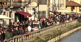 Milano, folla sui Navigli e lungo la Darsena nell'ultimo sabato in zona gialla