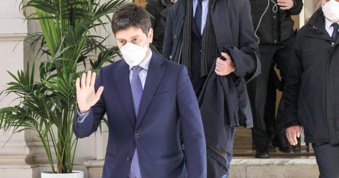 Sondaggi, l'effetto della crisi di Renzi? Pd e M5s perdono un punto a testa. Speranza il più gradito, il capo di Italia Viva ultimo dopo Lupi