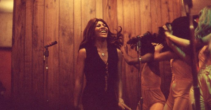 Festival di Berlino 2021, la biopic su Tina Turner: ritratto di un'icona rock fatta di grinta e resistenza