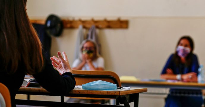 Scuola, quest'anno sarà possibile bocciare. I presidi: 'Giusto, ma pandemia è un'attenuante'. Studenti contrari: 'È come l'anno scorso'
