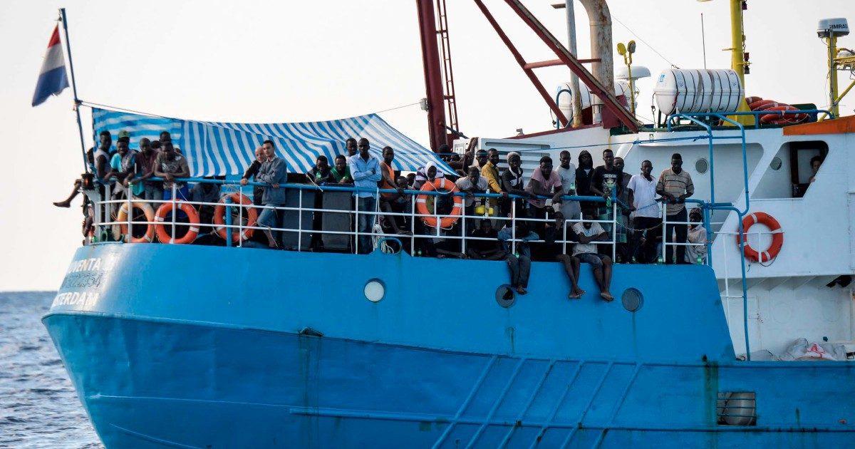 Migranti, chiusura indagine su Msf e Save the Children