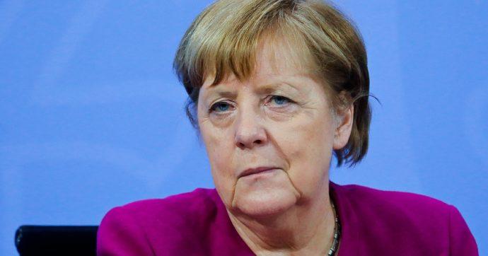 """Germania, accordo governo-Länder: """"Aperture in 5 step, ma stop se contagi risalgono"""". Ok al vaccino AstraZeneca per gli over 65"""