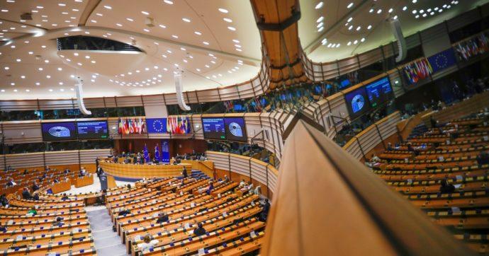"""Salario minimo, ok del Senato alla proposta di direttiva Ue. M5s: """"Fissare una soglia di dignità lasciando alla contrattazione le altre voci"""""""