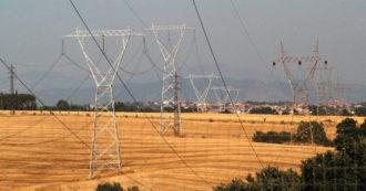 """Rincari energia, l'authority: """"Spostare gli oneri di sistema fuori dalle bollette"""". Dall'M5s a Pd e Lega, pressing su governo per interventi"""
