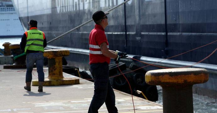 """Sciopero Genova, l'avvertimento di Confindustria ai portuali che difendono i loro stipendi: """"Il lavoro è un privilegio"""""""