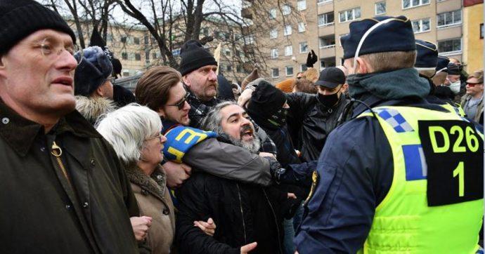 Proteste anti-restrizioni in Svizzera, Austria e Svezia. La polizia disperde i dimostranti a Stoccolma