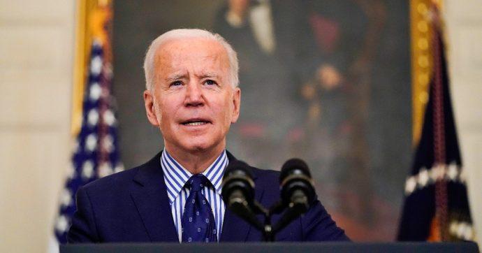 """Usa, """"tutti gli americani vaccinabili entro il 19 aprile"""": Biden accelera sulle somministrazioni"""