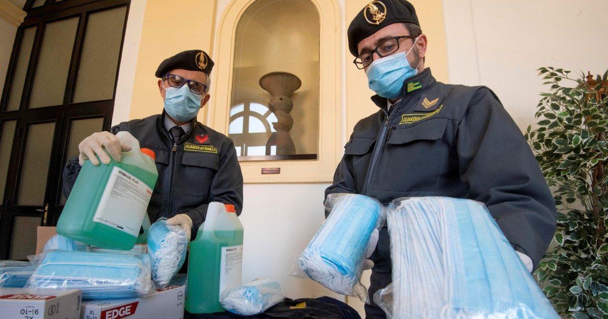 Le mani dei clan sul virus: 26 nuove inchieste in Italia