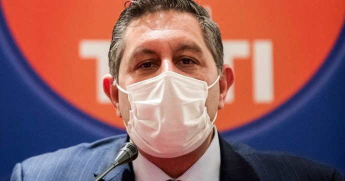 Vaccino anti-Covid, la Liguria va a rilento e adesso Toti chiede aiuto alla sanità privata