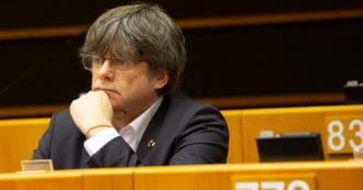 Parlamento Ue revoca immunità a Puigdemont e a due eurodeputati catalani. E la Spagna toglie la semilibertà a 7 leader indipendentisti