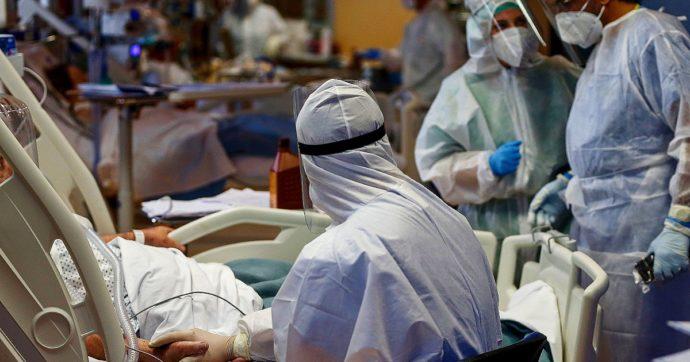 """Covid, gli ospedali pugliesi in affanno: quasi il 50% dei posti letto occupati. I medici del 118: """"Siamo al collasso, la situazione è devastante"""""""