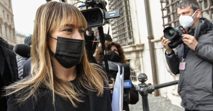 Maria Elena Boschi denuncia uno stalker. La deputata è stata sentita dai pm di Roma