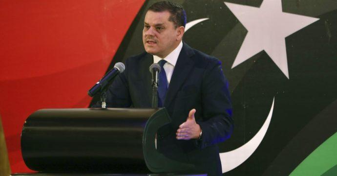 Libia, il governo di transizione di Dbeibah ottiene la fiducia: porterà il Paese alle elezioni il 24 dicembre