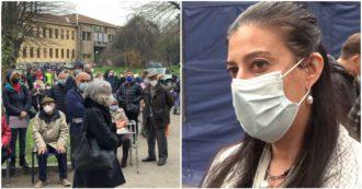 """Vaccino Covid Milano, caos al Niguarda: anziani in coda per """"errore di sistema"""". Responsabile: 'Ecco cosa è successo, speriamo non accada più'"""