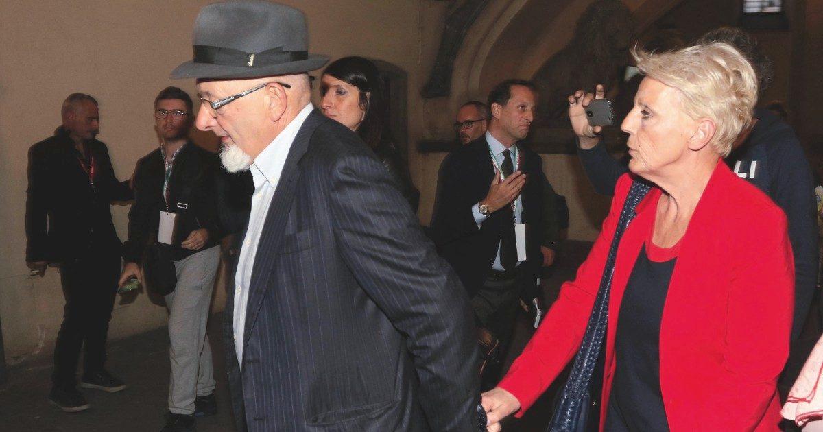 Bancarotta delle cooperative, i genitori di Renzi a processo