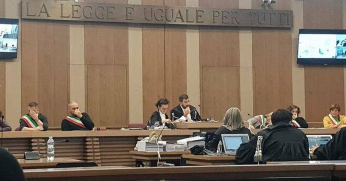 Gli omicidi di Reggio Emilia nel 1992, la procura fa ricorso contro le assoluzioni e chiede di sentire pure il boss Sarcone