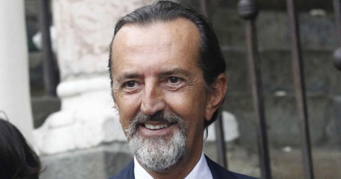 Morto Giovanni Gastel, se ne va 65 anni uno dei più grandi fotografi italiani. Era ricoverato per Covid a Milano