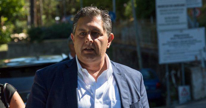 Genova, Toti dopo focolaio Covid all'ospedale San Martino: 'Voglio vaccino obbligatorio per infermieri'. Direttore: 'Abbiamo armi spuntate'