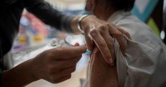 Vibo Valentia, dosi senza prenotazione agli over 60: folla e assembramenti al punto vaccini