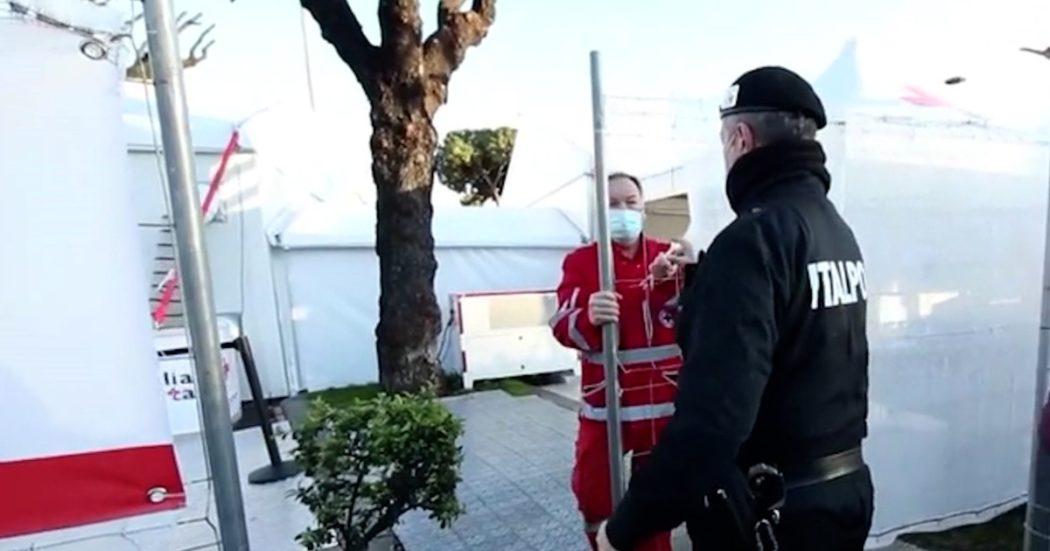 """Vaccino Astrazeneca sospeso: la ritirata improvvisa nei centri di Regione Lazio, tra incertezza, dubbi e fake news. L'assessore D'Amato: """"L'Ema chiarisca subito"""""""