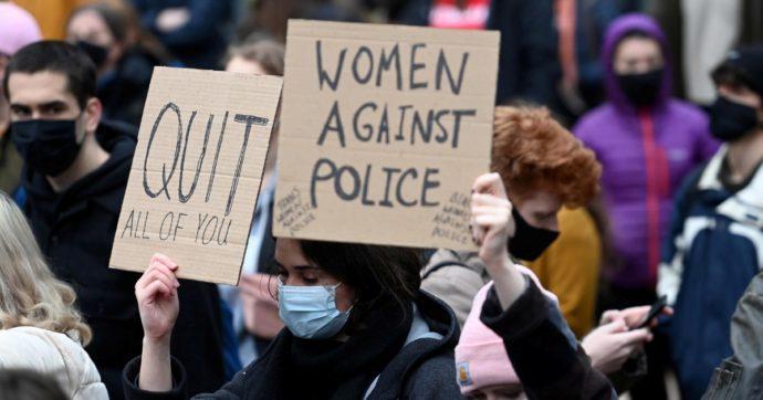 Caso Sarah Everard: la guida di Scotland Yard è degna di una sceneggiatura dei Monty Python