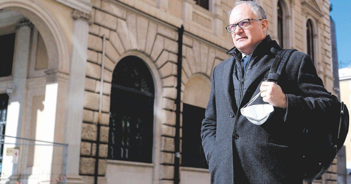 Roma, il dem Gualtieri si candida a sindaco. Tra oggi e domani arriva l'annuncio del Pd